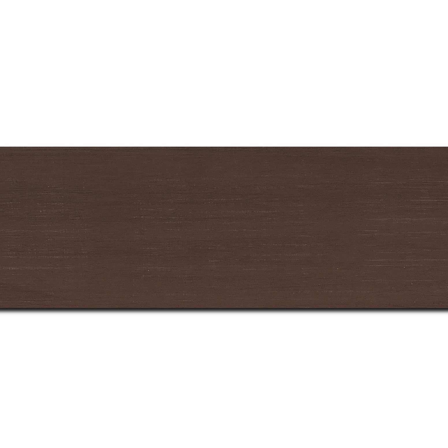 Pack par 12m, bois profil plat largeur 6cm chocolat satiné effet veiné ,chant extérieur du cadre de couleur noire(longueur baguette pouvant varier entre 2.40m et 3m selon arrivage des bois)
