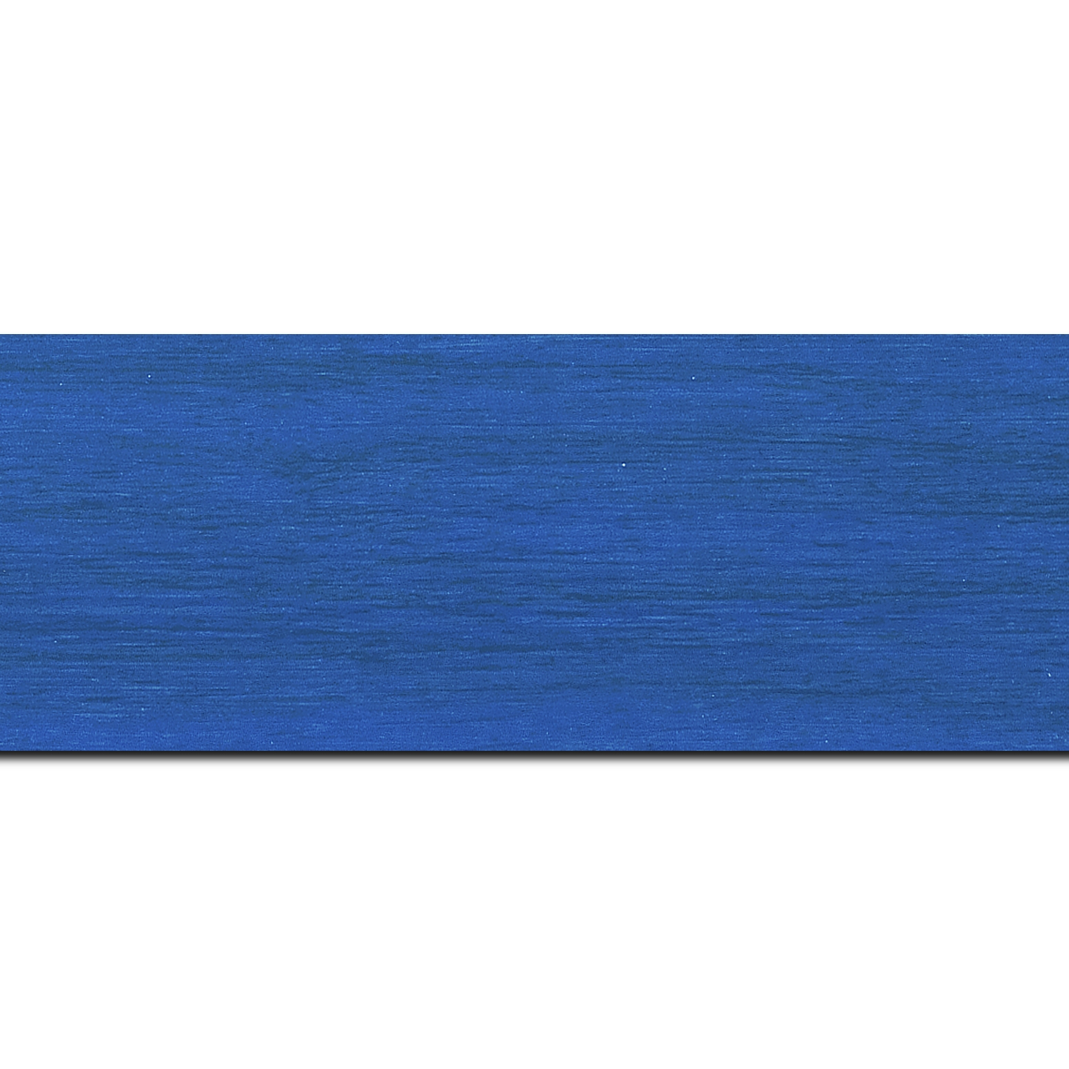 Pack par 12m, bois profil plat largeur 6cm bleu roi satiné effet veiné ,chant extérieur du cadre de couleur noire(longueur baguette pouvant varier entre 2.40m et 3m selon arrivage des bois)