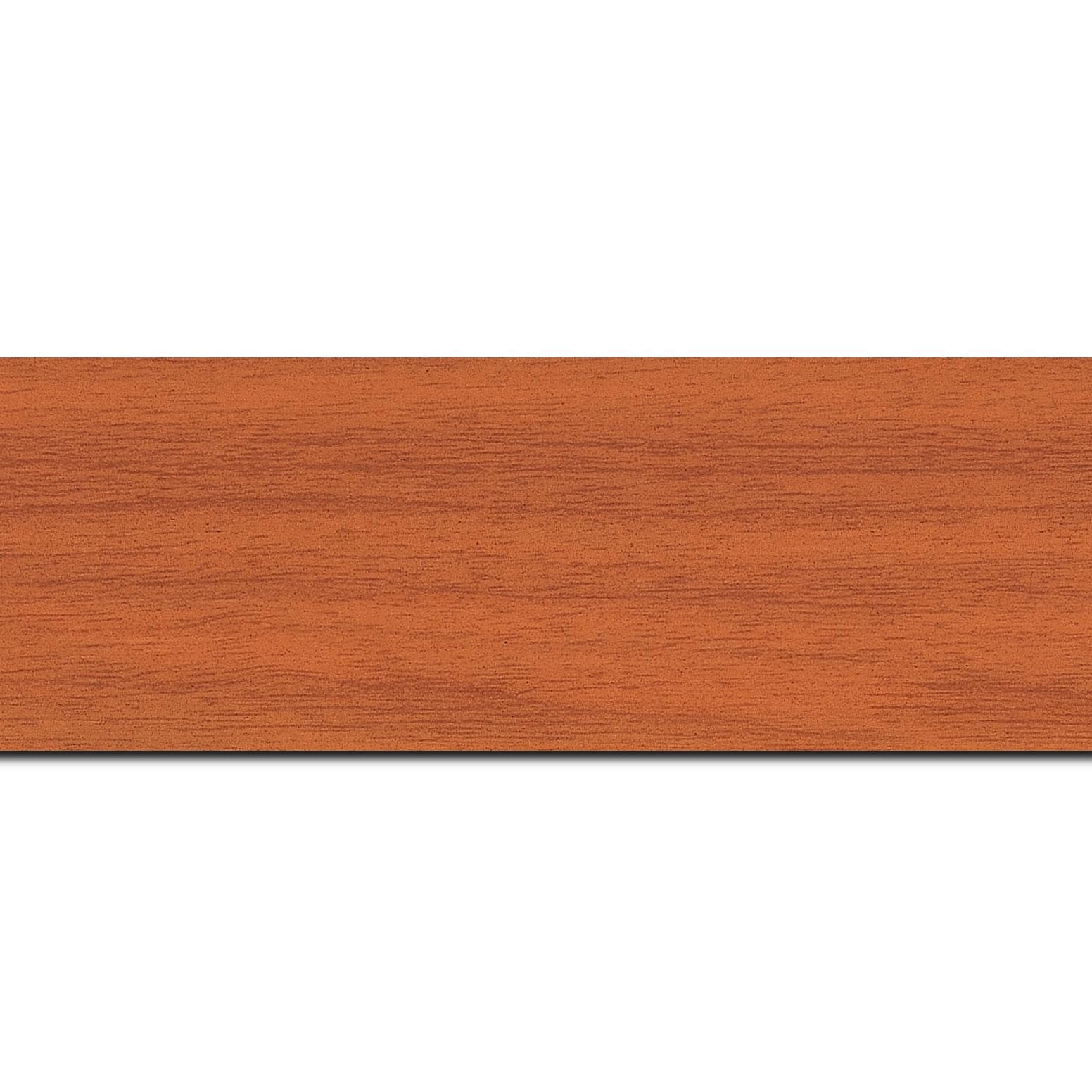 Pack par 12m, bois profil plat largeur 6cm orange satiné effet veiné ,chant extérieur du cadre de couleur noire(longueur baguette pouvant varier entre 2.40m et 3m selon arrivage des bois)