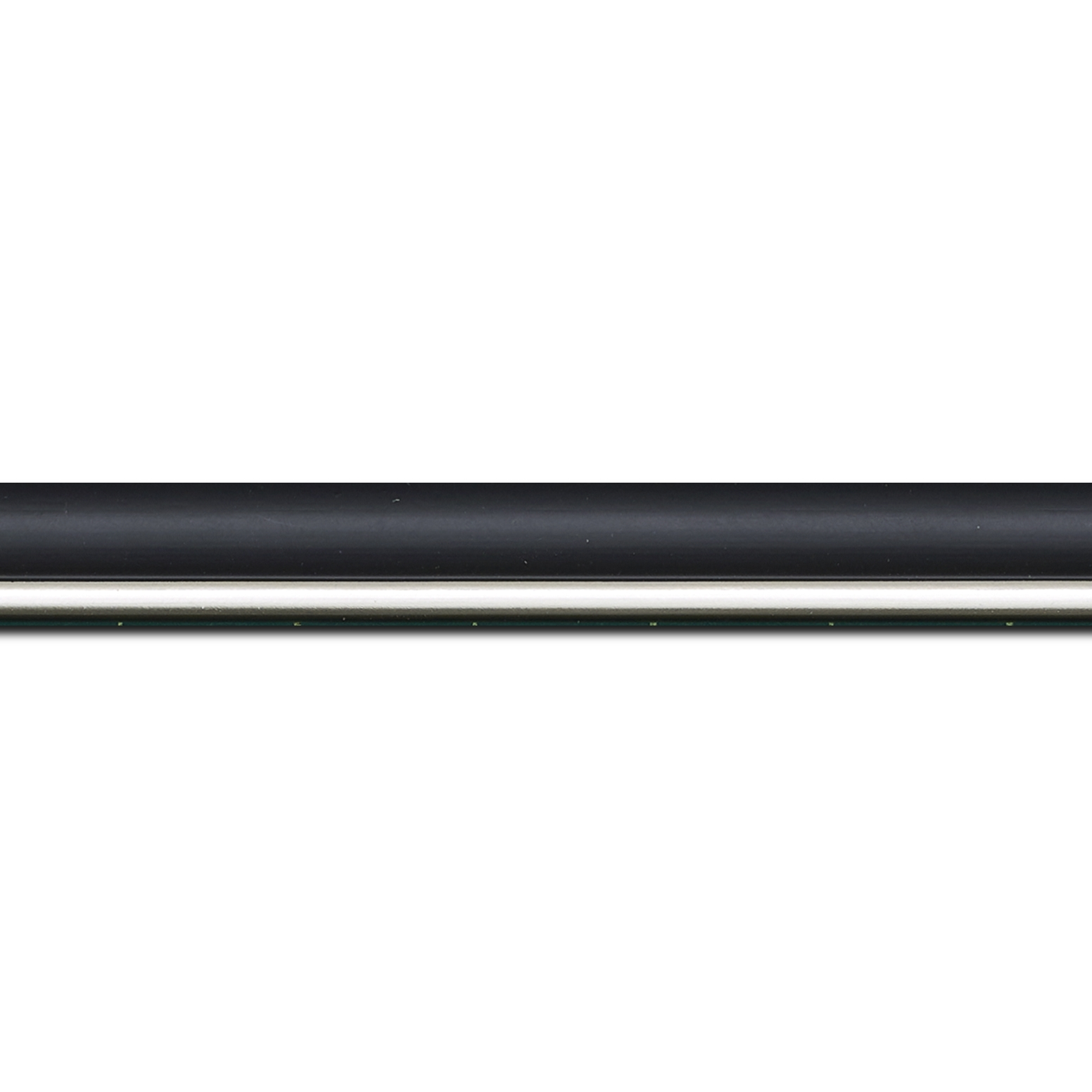 Pack par 12m, bois profil arrondi largeur 2.1cm couleur noir mat filet argent(longueur baguette pouvant varier entre 2.40m et 3m selon arrivage des bois)