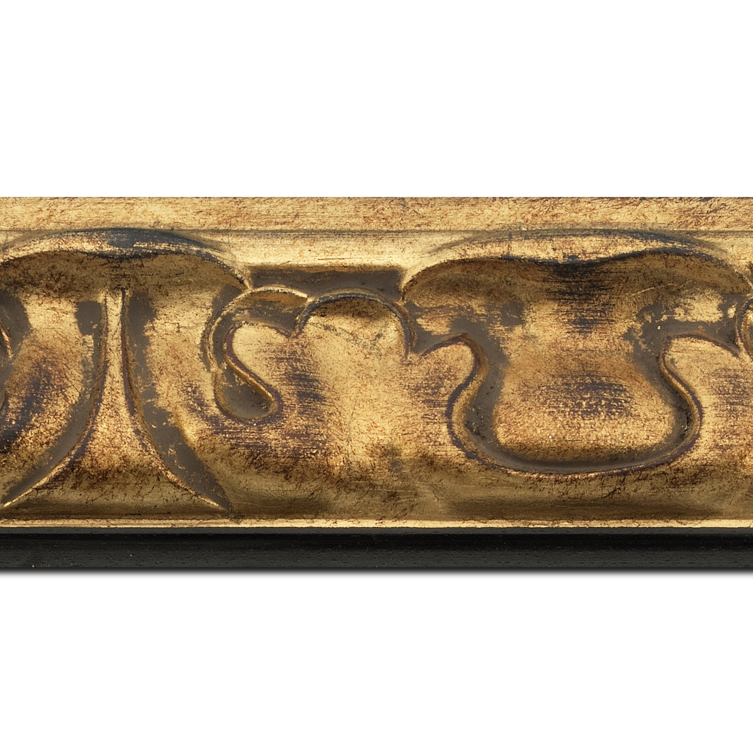 Baguette longueur 1.40m bois profil doucine largeur 7.8cm or patiné nez couleur ébène