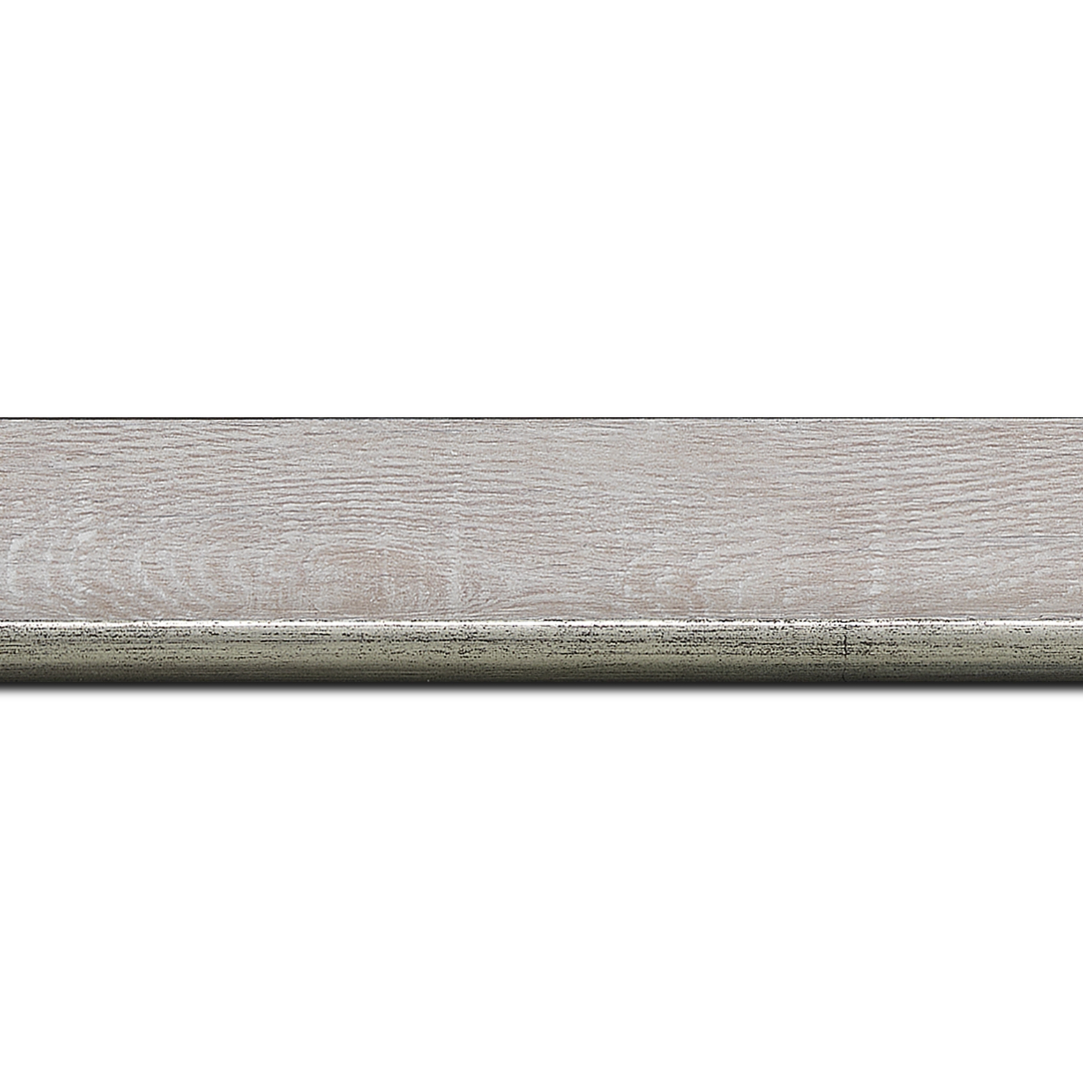 Pack par 12m, bois profil plat en pente largeur 3.5cm de couleur ton bois veiné teinté gris  filet argent chaud      (longueur baguette pouvant varier entre 2.40m et 3m selon arrivage des bois)
