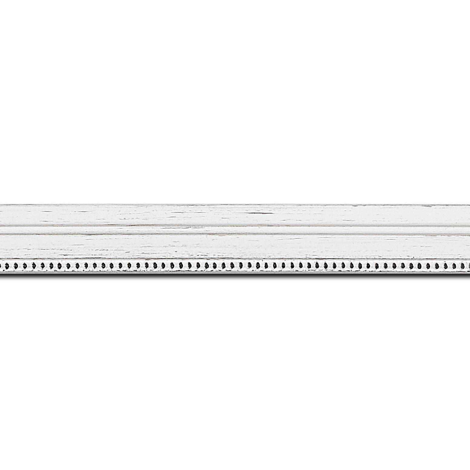 Baguette longueur 1.40m bois profil plat en étage largeur 2.2cm couleur blanchie filet perle