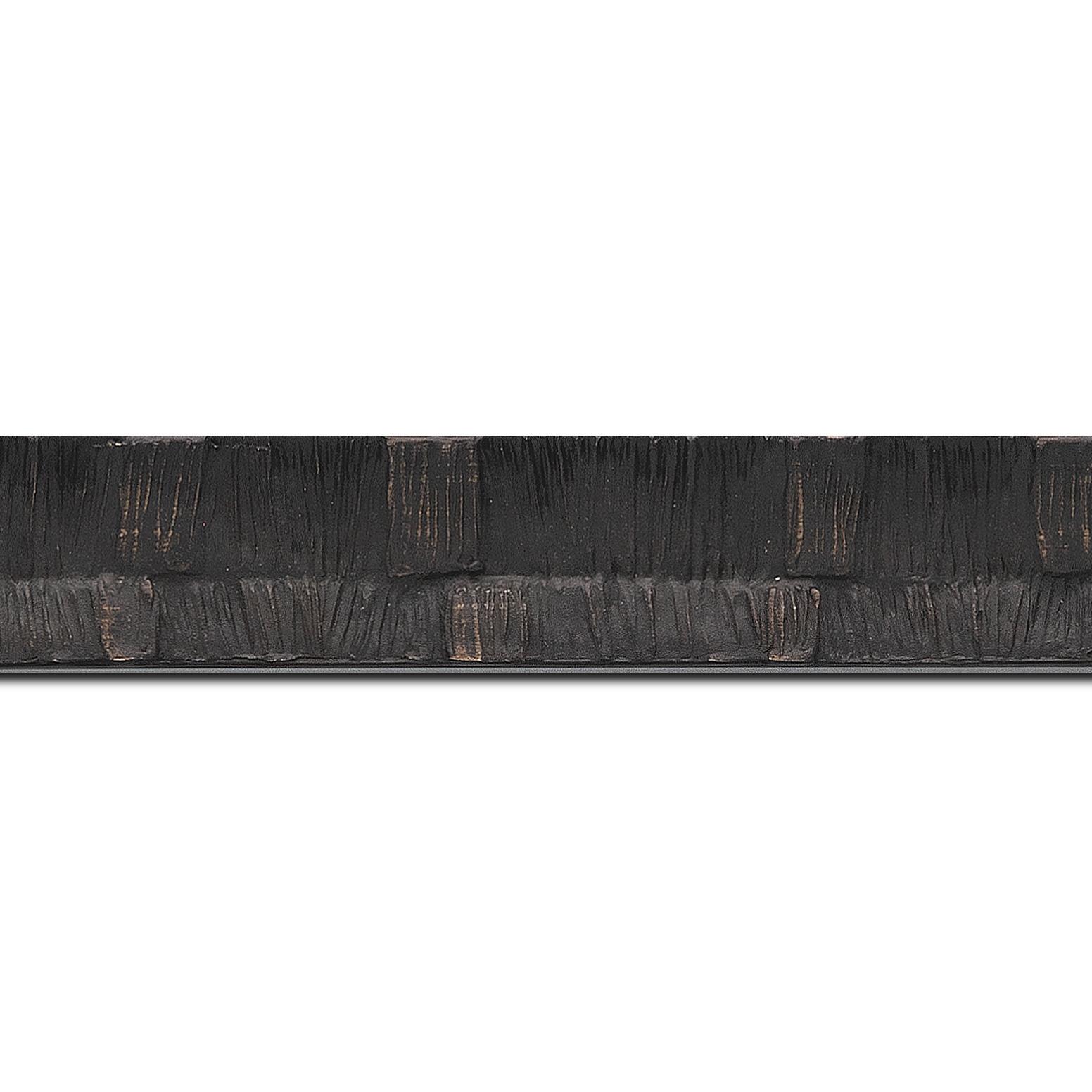 Pack par 12m, bois profil incurvé largeur 3cm  couleur noir ébène finition ethnique (longueur baguette pouvant varier entre 2.40m et 3m selon arrivage des bois)