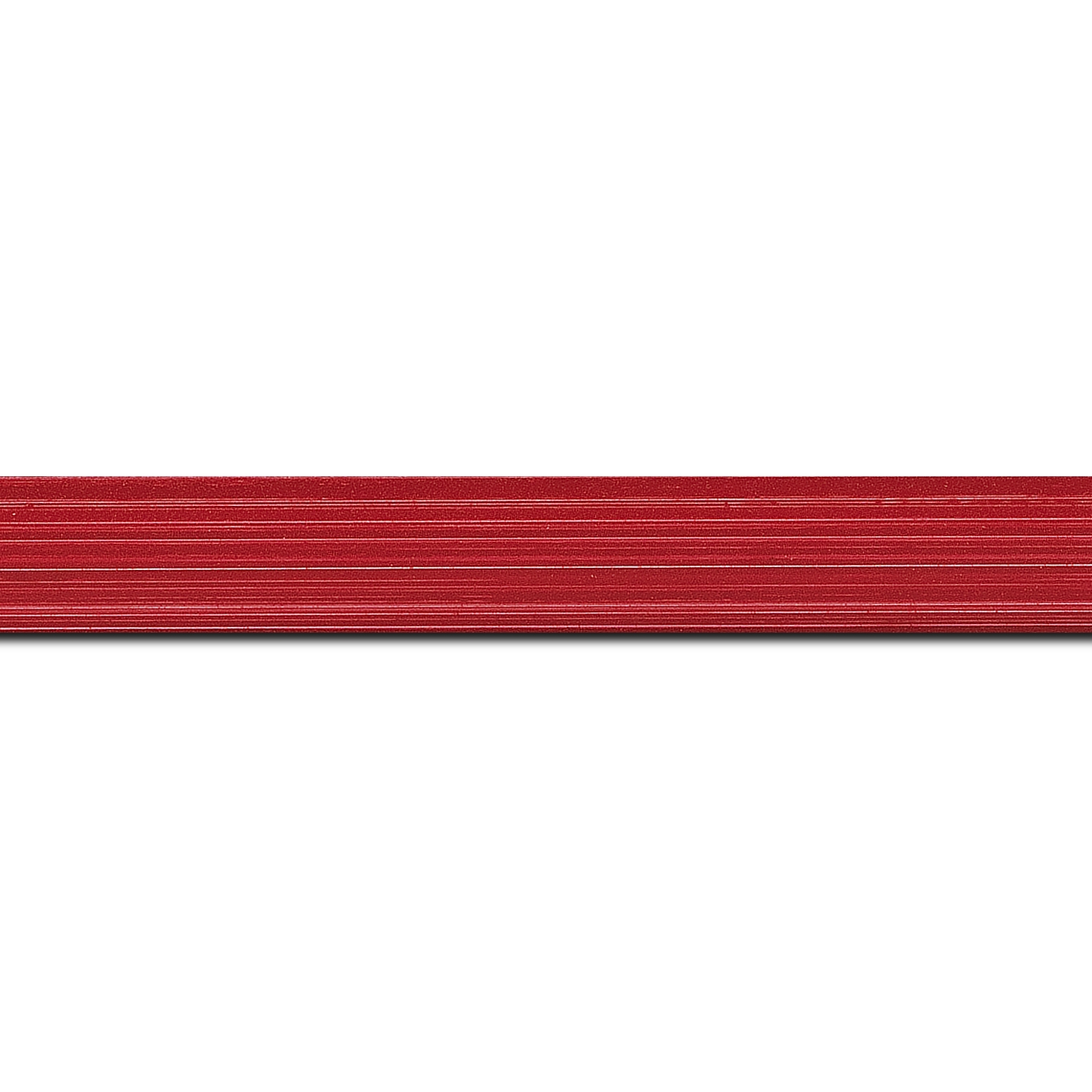 Pack par 12m, bois profil concave largeur 2.4cm couleur rouge grenadine effet matière fond blanc(longueur baguette pouvant varier entre 2.40m et 3m selon arrivage des bois)