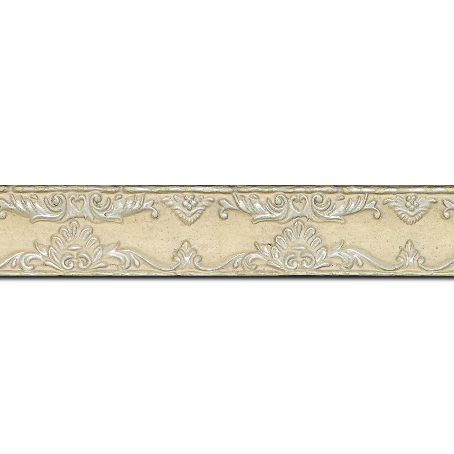 Pack par 12m, bois profil incurvé largeur 3cm couleur crème antique décor ancien (longueur baguette pouvant varier entre 2.40m et 3m selon arrivage des bois)
