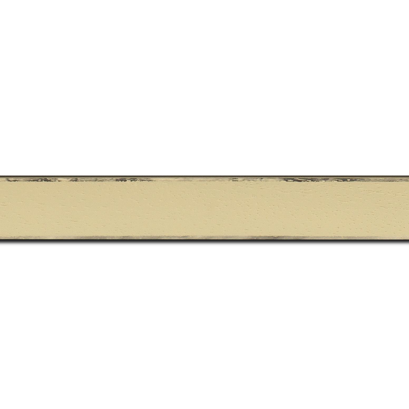 Baguette longueur 1.40m bois profil concave largeur 2.4cm couleur ivoire  satiné  arêtes essuyés noircies de chaque coté