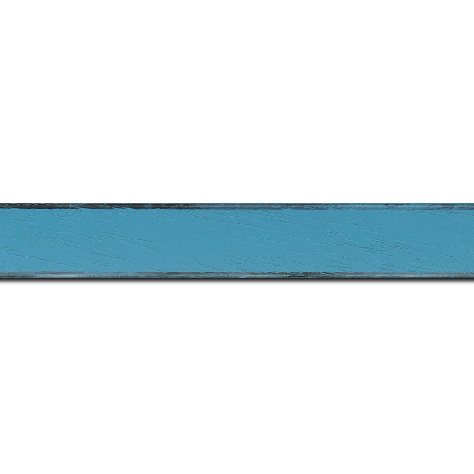 Baguette longueur 1.40m bois profil concave largeur 2.4cm couleur turquoise tonique  satiné  arêtes essuyés noircies de chaque coté