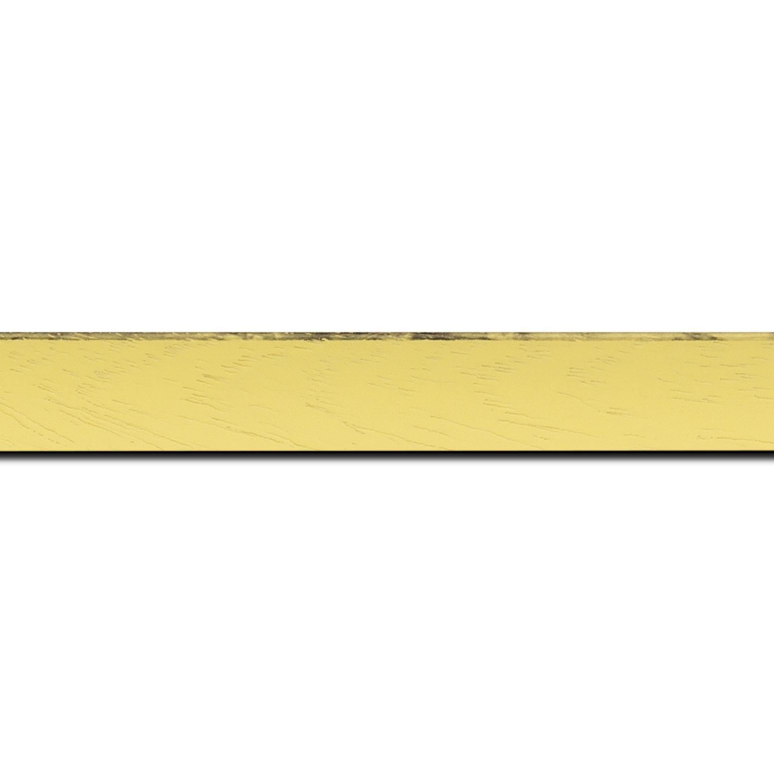 Baguette longueur 1.40m bois profil concave largeur 2.4cm couleur jaune tonique satiné arêtes essuyés noircies de chaque coté