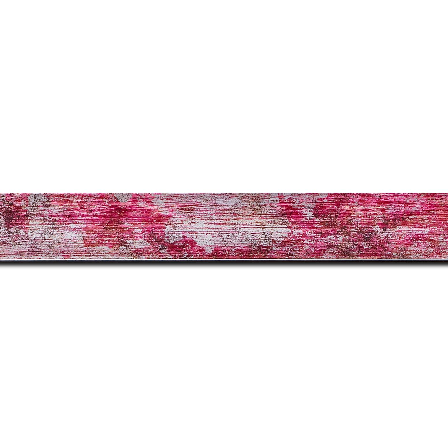 Pack par 12m, bois profil concave largeur 2.4cm de couleur fushia moucheté fond argent (longueur baguette pouvant varier entre 2.40m et 3m selon arrivage des bois)