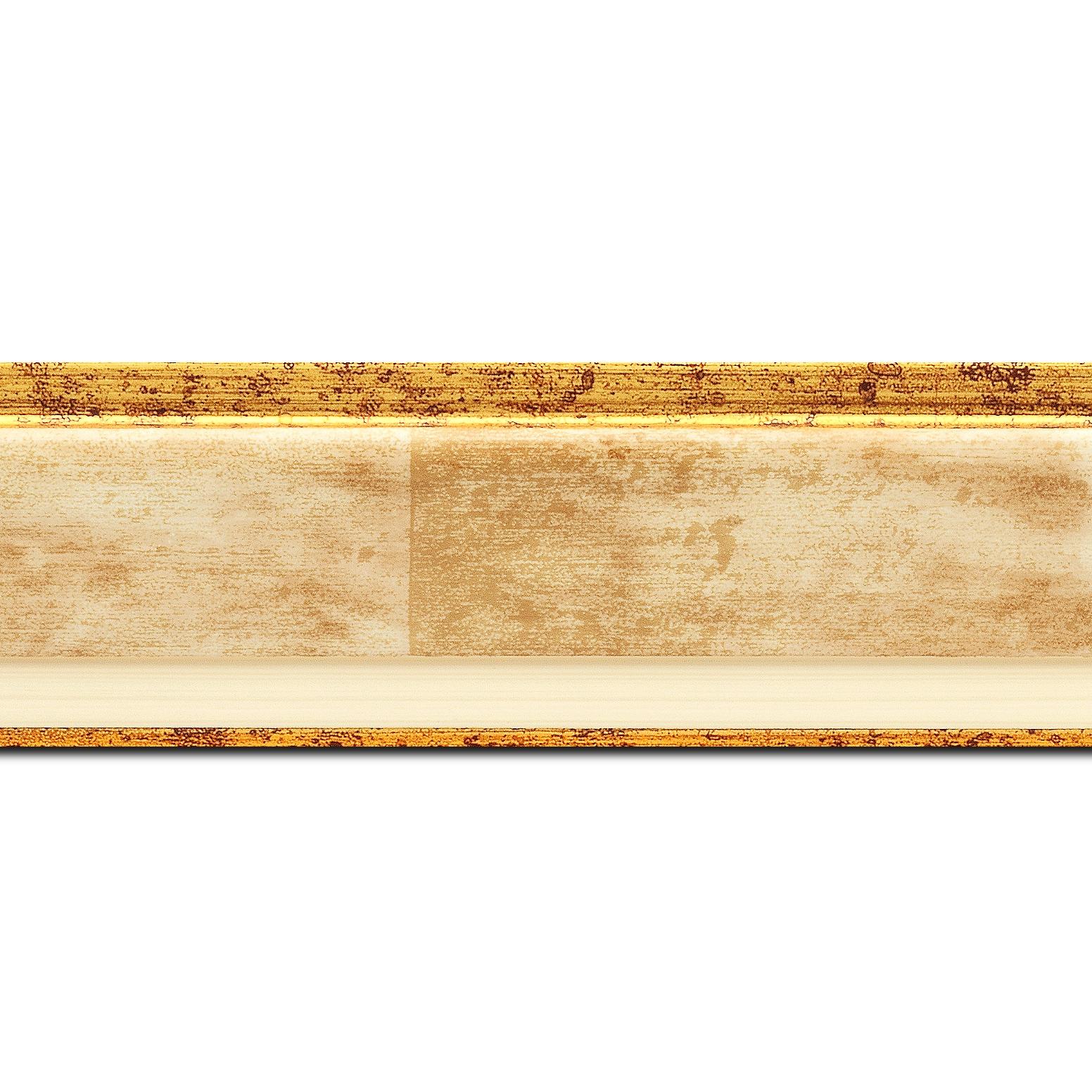 Pack par 12m, bois profil incliné largeur 5.4cm couleur crème  marie louise crème filet or intégrée(longueur baguette pouvant varier entre 2.40m et 3m selon arrivage des bois)