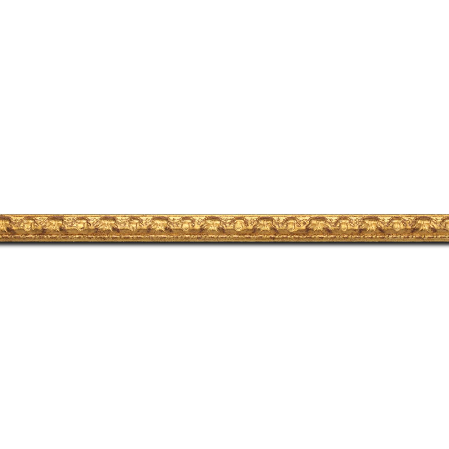 Pack par 12m, bois profil bombé largeur 4cm couleur or patiné (longueur baguette pouvant varier entre 2.40m et 3m selon arrivage des bois)