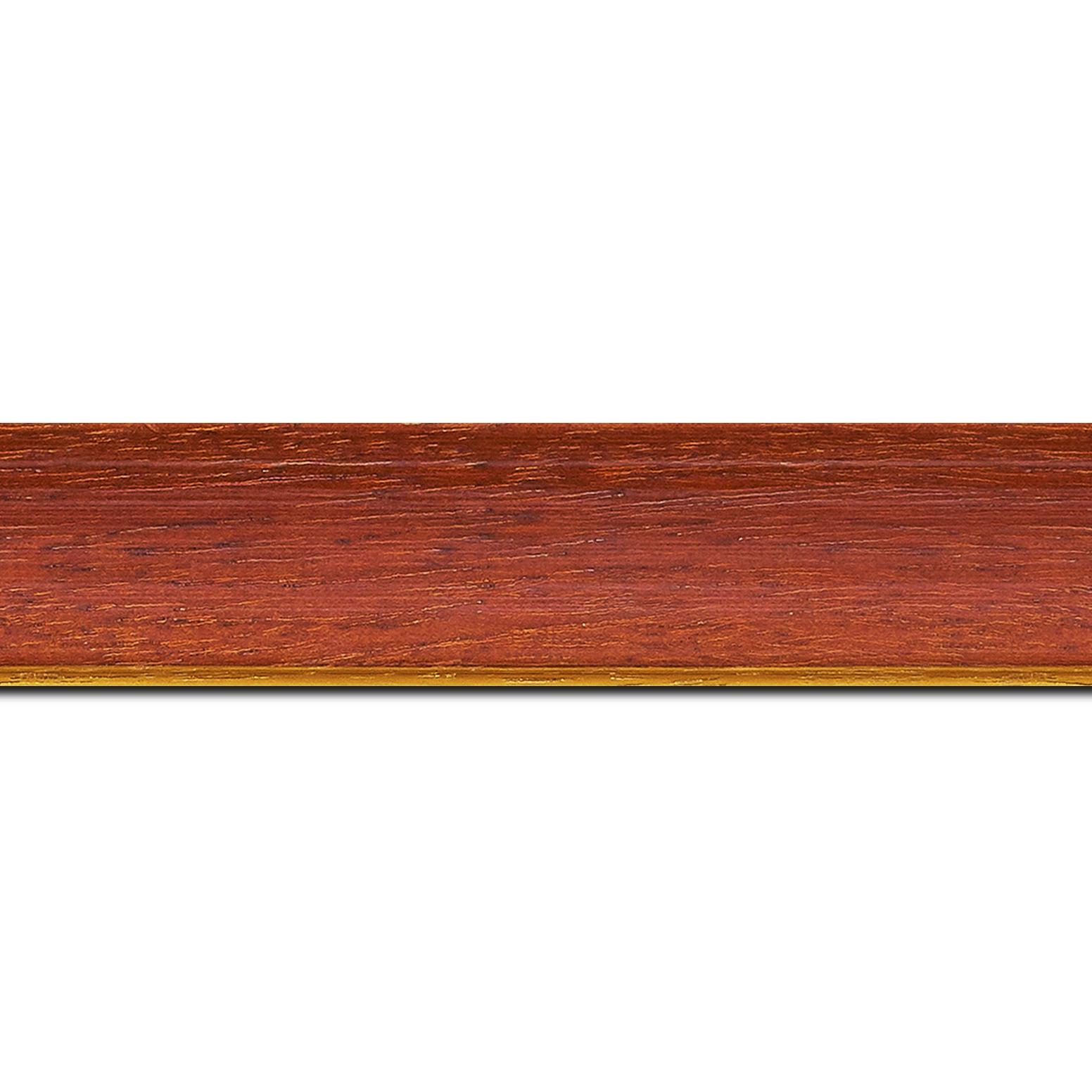 Pack par 12m, bois profil incurvé largeur 3.9cm couleur rouge cerise satiné filet or (longueur baguette pouvant varier entre 2.40m et 3m selon arrivage des bois)