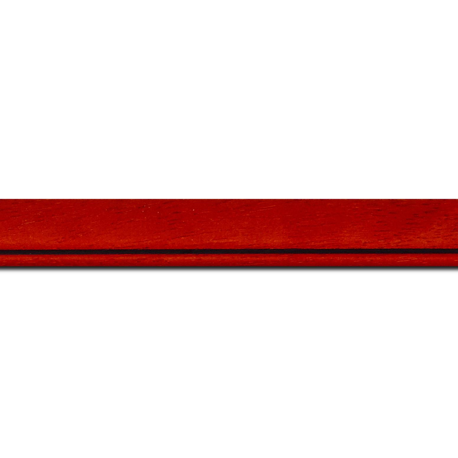 Pack par 12m, bois profil bombé largeur 2.4cm couleur rouge cerise satiné filet noir(longueur baguette pouvant varier entre 2.40m et 3m selon arrivage des bois)