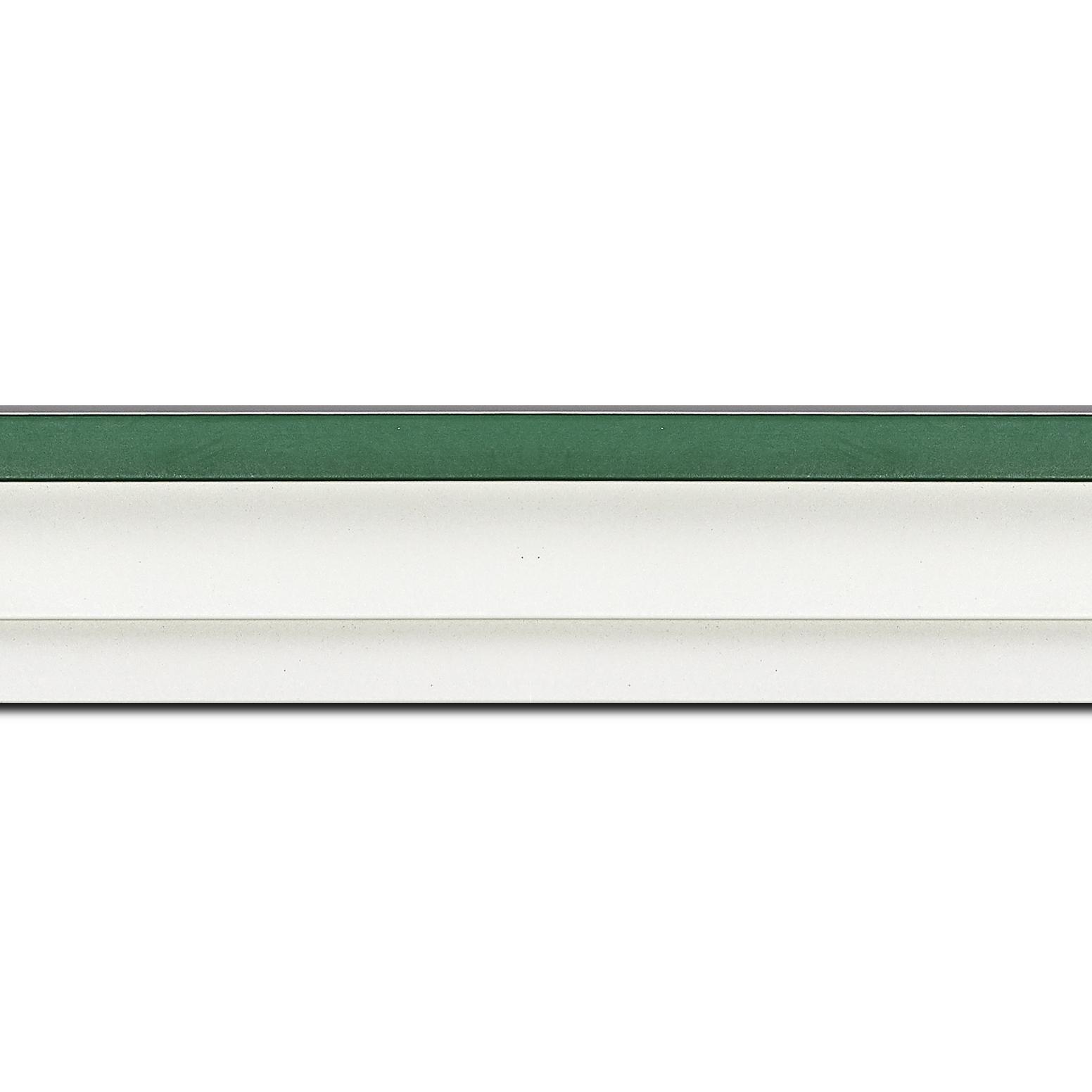 Pack par 12m, bois caisse américaine profil escalier largeur 4.5cm blanc mat filet vert (spécialement conçu pour les châssis d'une épaisseur jusqu'à 2.5cm )(longueur baguette pouvant varier entre 2.40m et 3m selon arrivage des bois)