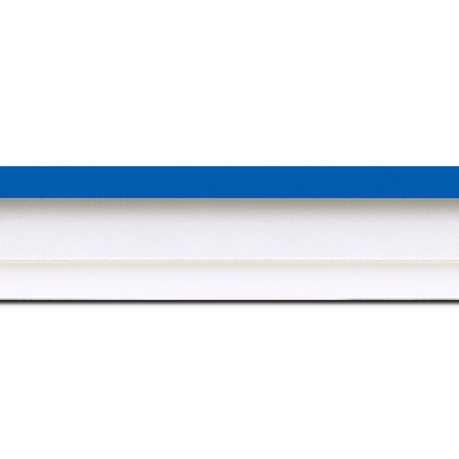 Pack par 12m, bois caisse américaine profil escalier largeur 4.5cm blanc mat filet bleu (spécialement conçu pour les châssis d'une épaisseur jusqu'à 2.5cm )(longueur baguette pouvant varier entre 2.40m et 3m selon arrivage des bois)