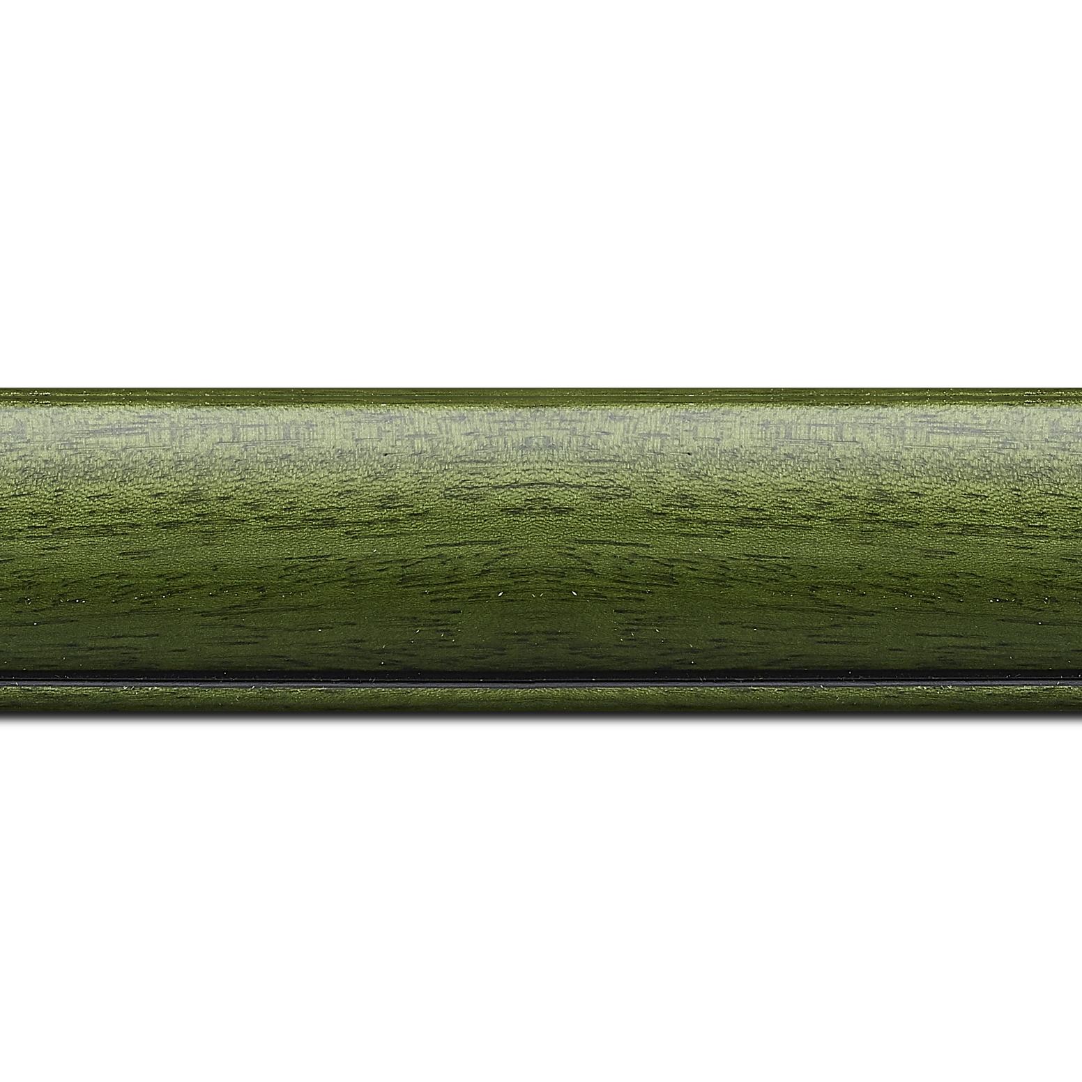 Pack par 12m, bois profil arrondi largeur 4.7cm couleur vert sapin satiné rehaussé d'un filet noir(longueur baguette pouvant varier entre 2.40m et 3m selon arrivage des bois)