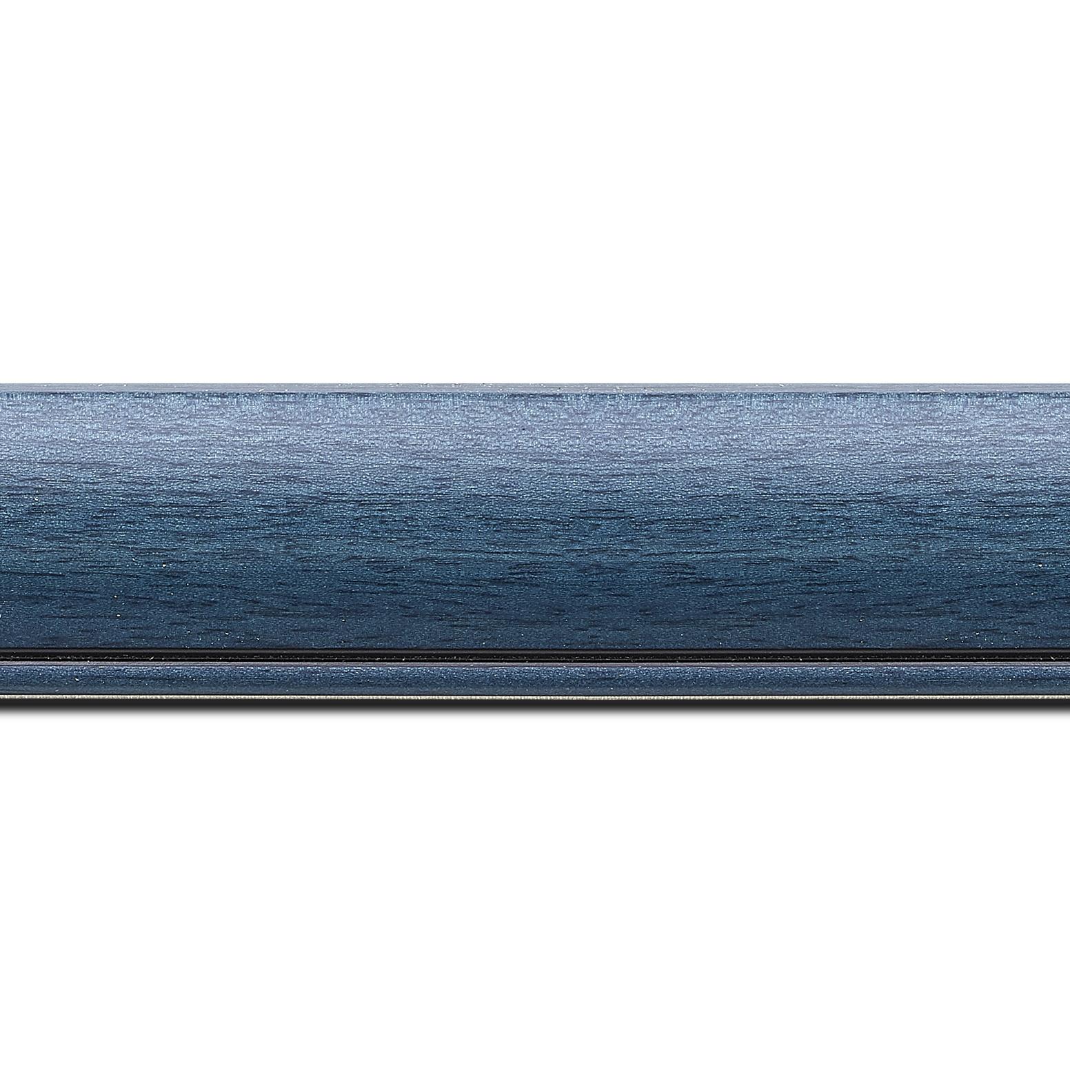 Baguette longueur 1.40m bois profil arrondi largeur 4.7cm couleur bleu cobalt satiné rehaussé d'un filet noir