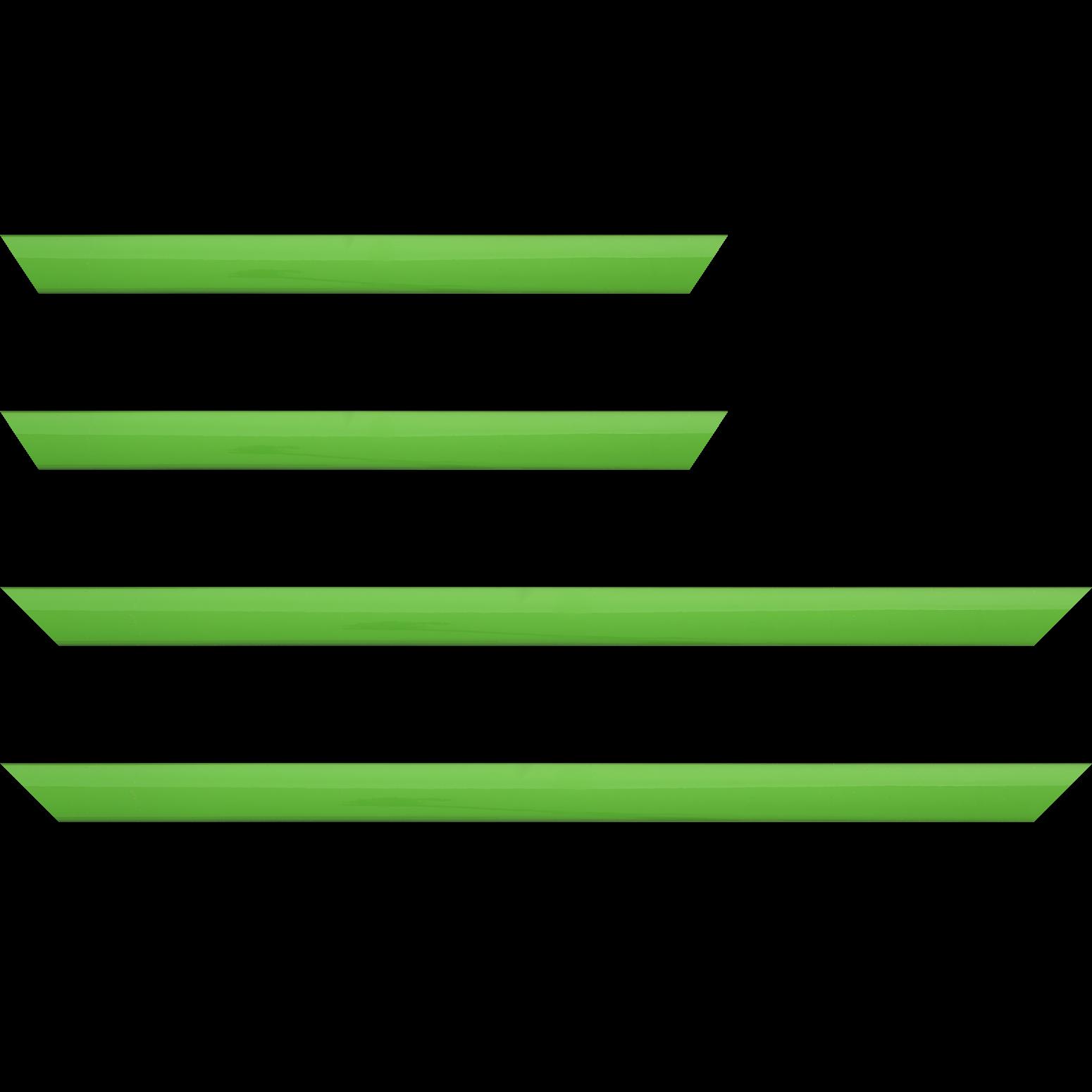 Baguette service précoupé Bois profil méplat largeur 2.3cm couleur vert tonique laqué