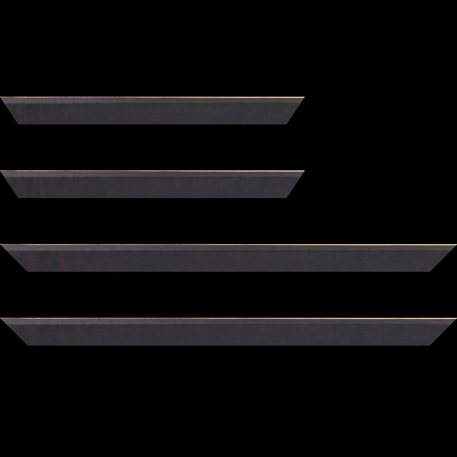 Baguette service précoupé Bois profil plat escalier largeur 3cm couleur chocolat satiné filet créme extérieur