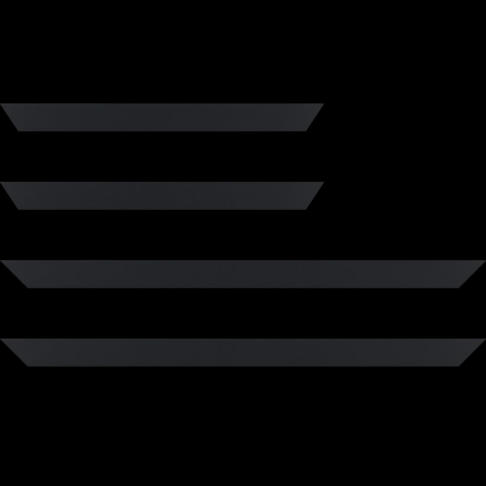 Baguette service précoupé Bois profil plat largeur 3cm couleur noir mat finition pore bouché effet cube (le sujet qui sera glissé dans le cadre sera en retrait de la face du cadre de 1.4cm assurant un effet très contemporain)