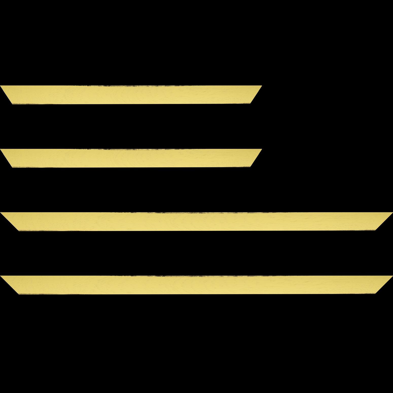 Baguette service précoupé Bois profil concave largeur 2.4cm couleur jaune tonique satiné arêtes essuyés noircies de chaque coté