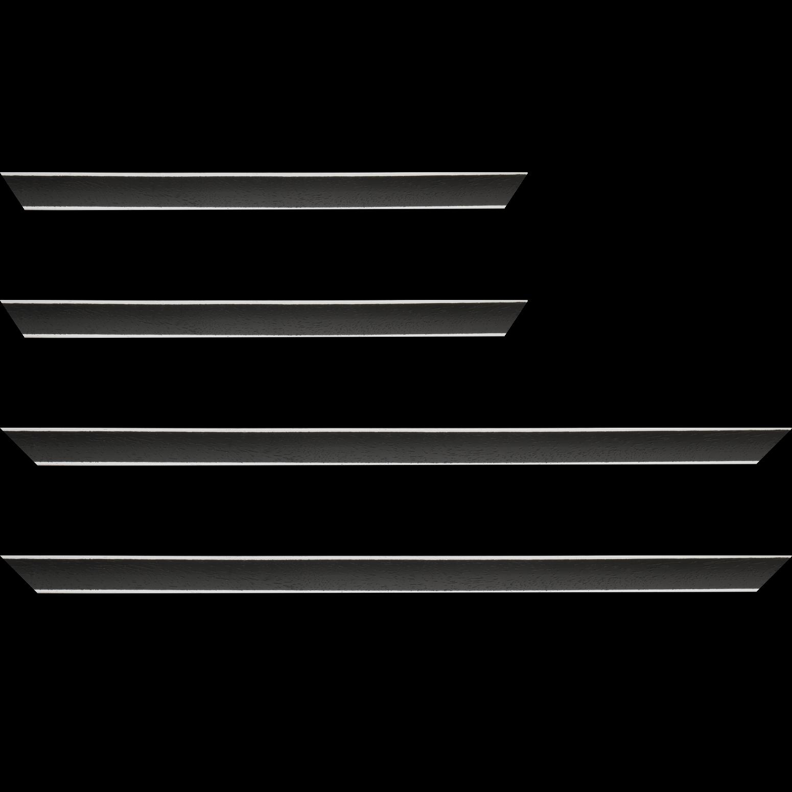 Baguette service précoupé Bois profil concave largeur 2.4cm couleur noir satiné arêtes essuyés blanchies de chaque coté