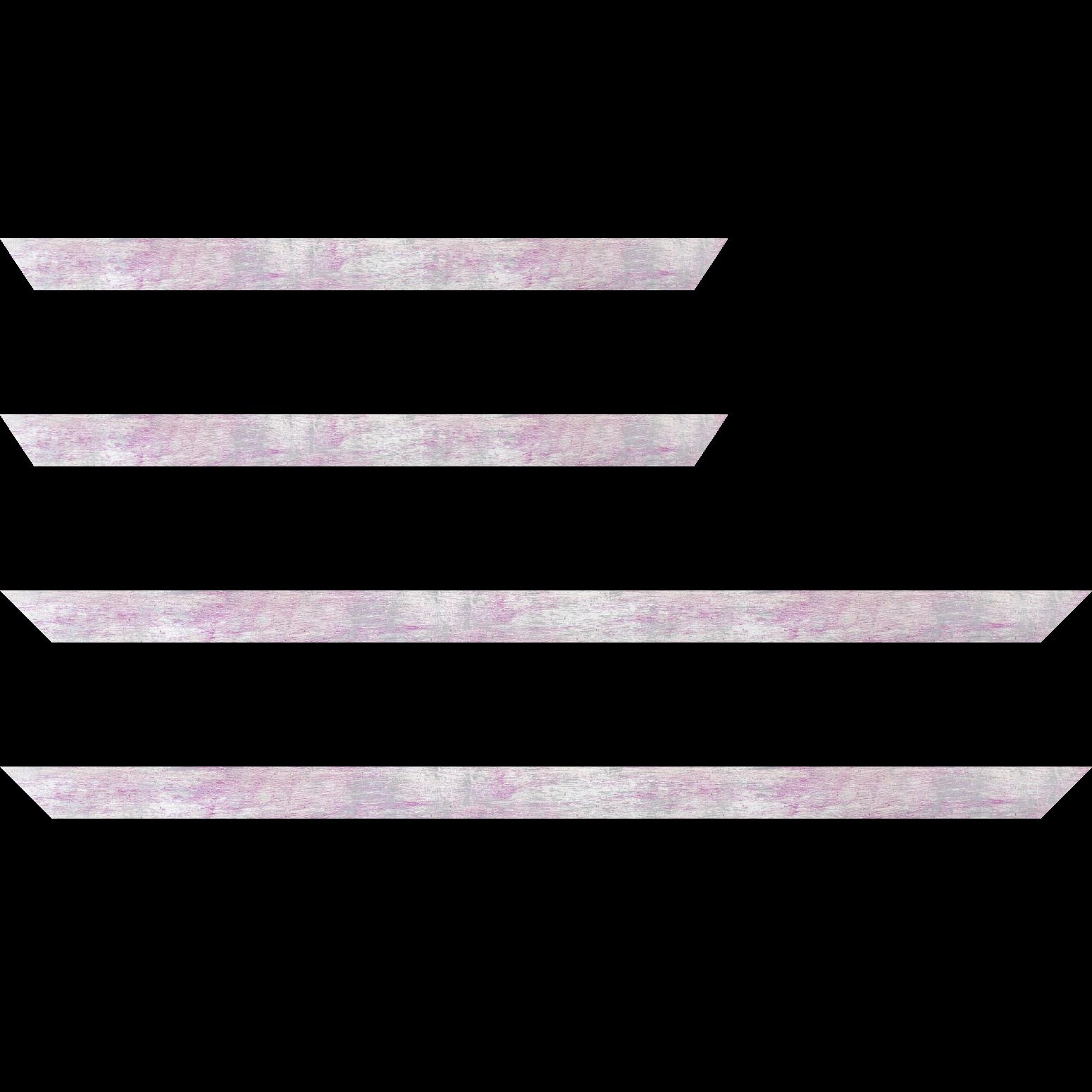 Baguette service précoupé Bois profil concave largeur 2.4cm de couleur lila pale fond argent