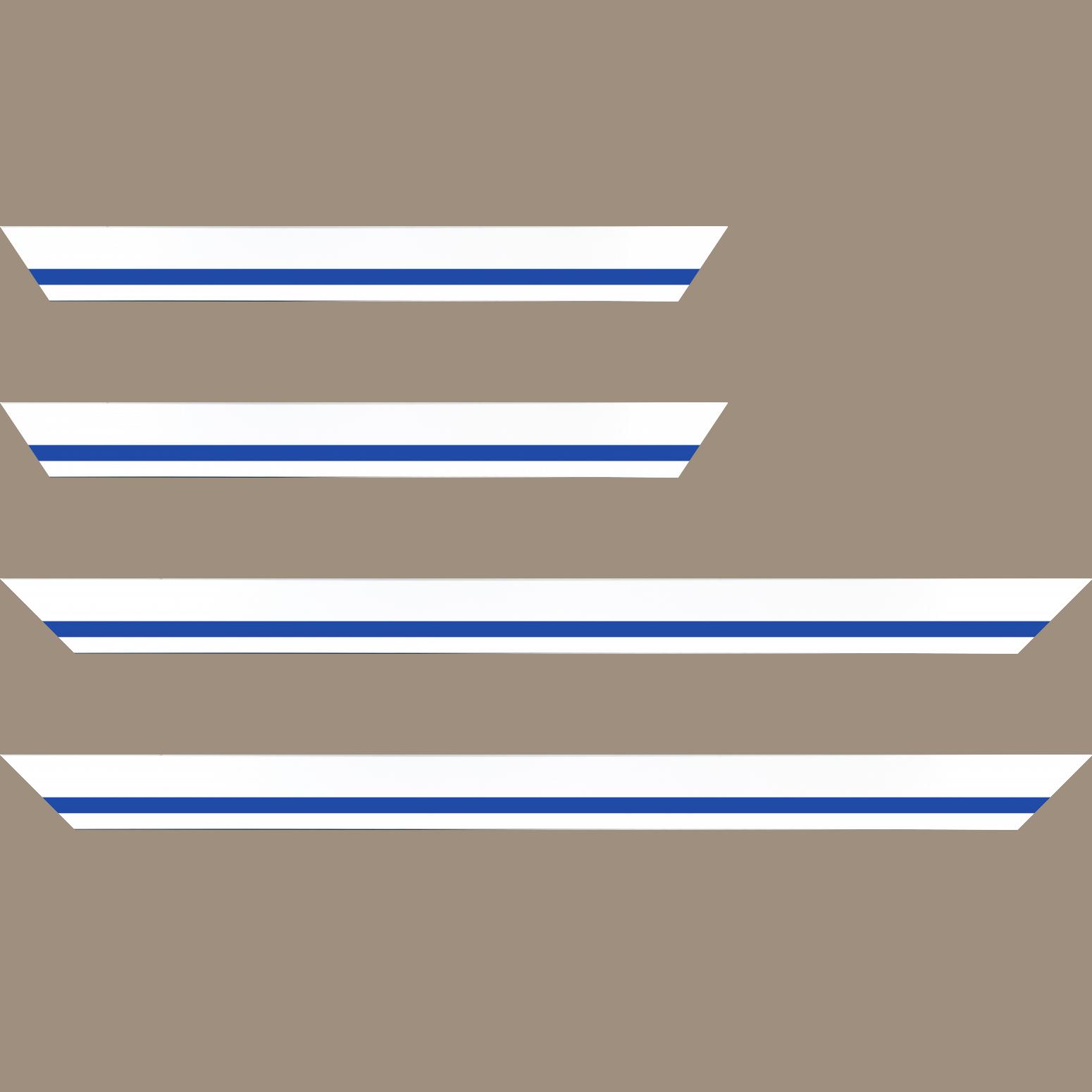 Baguette service précoupé Bois profil pente largeur 4.5cm de couleur blanc mat filet bleu foncé
