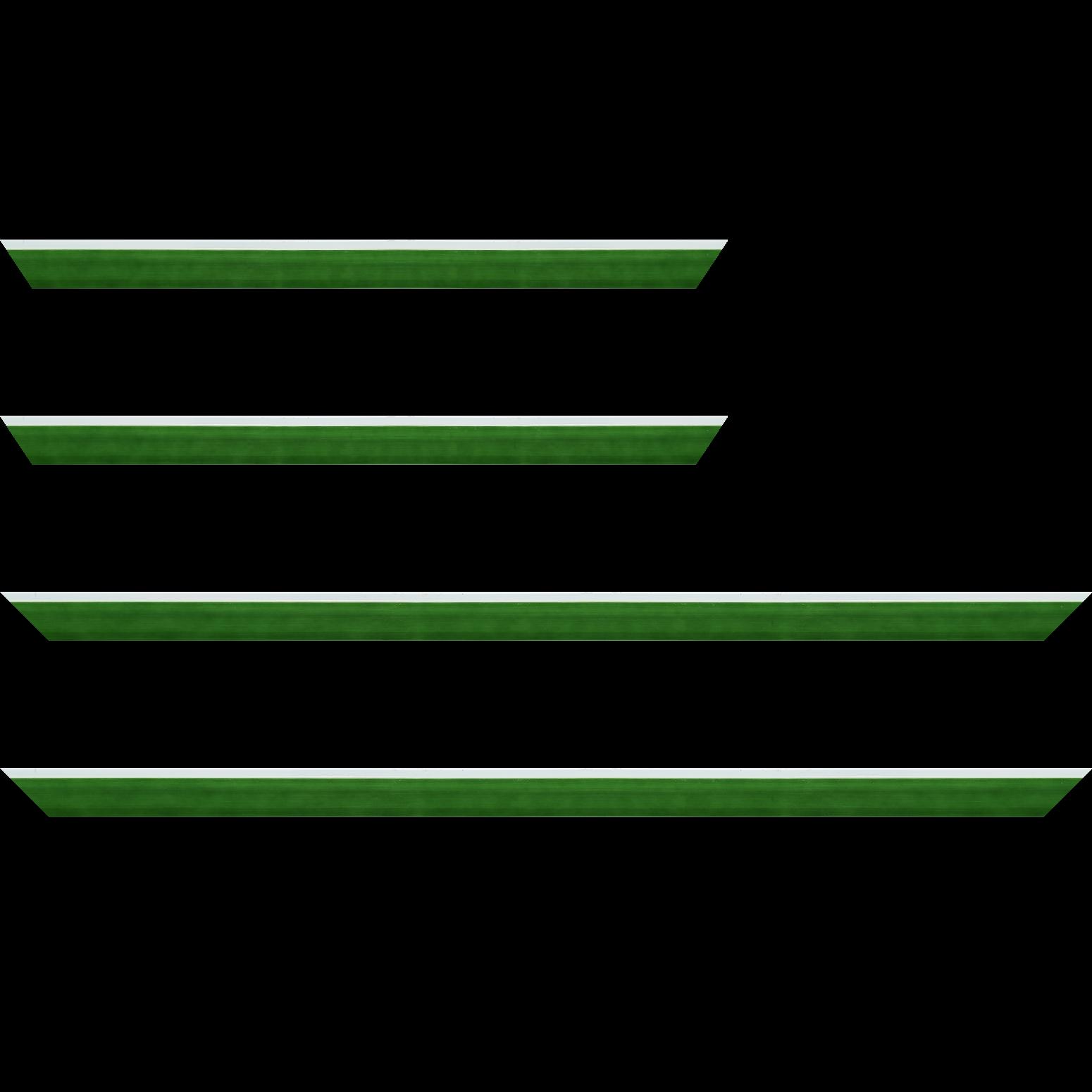 Baguette service précoupé Bois profil en pente plongeant largeur 2.2cm couleur vert laqué filet extérieur blanc laqué