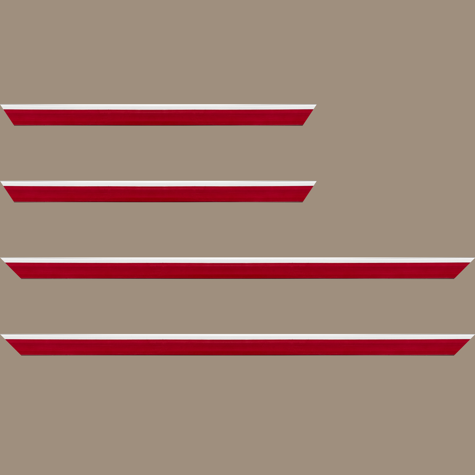 Baguette service précoupé Bois profil en pente plongeant largeur 2.2cm couleur rouge grenat laqué filet blanc extérieur laqué