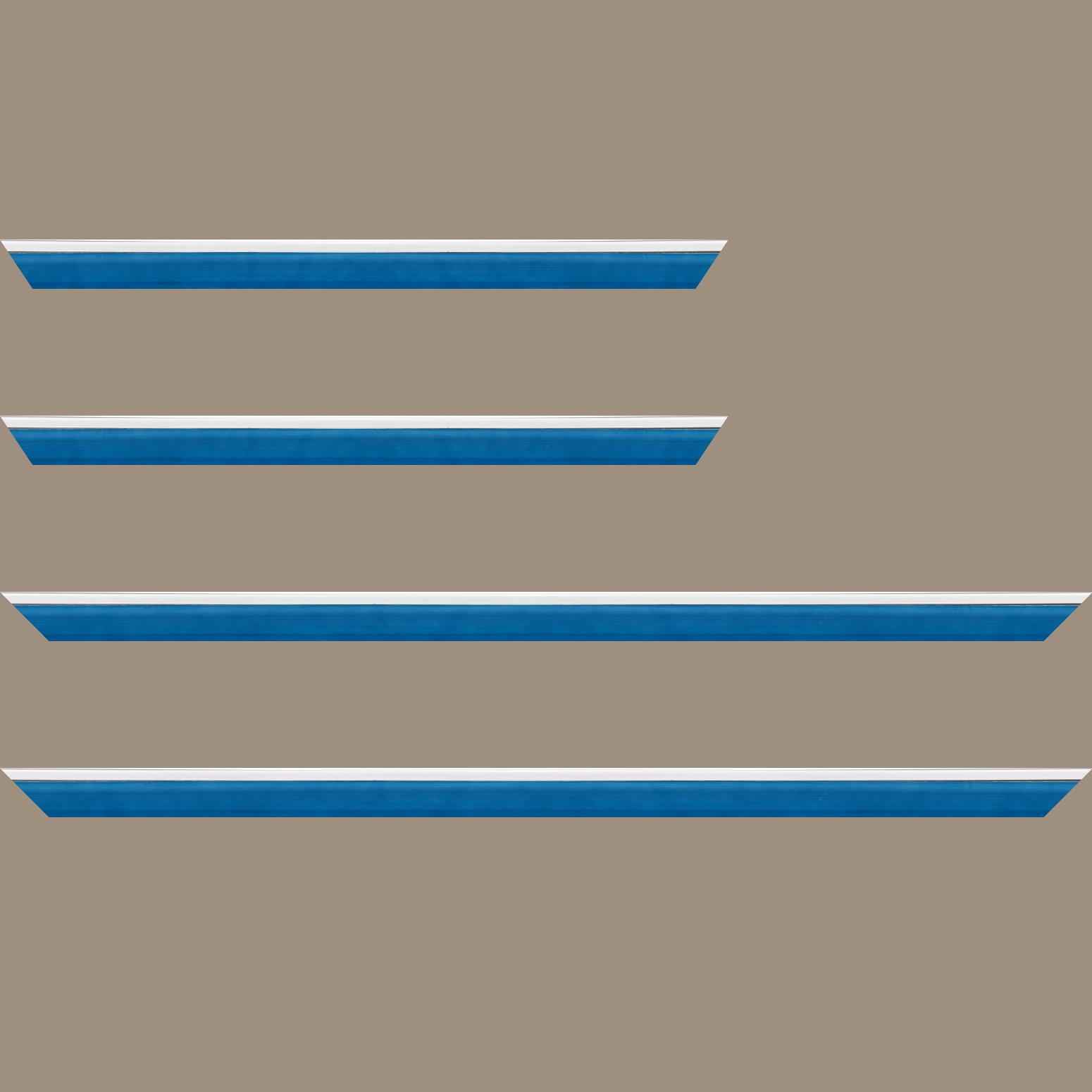 Baguette service précoupé Bois profil en pente plongeant largeur 2.2cm couleur bleu lagon laqué filet extérieur blanc laqué