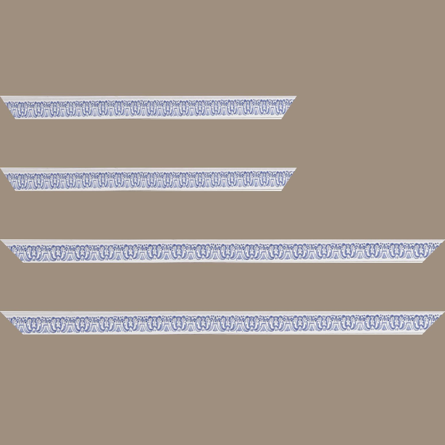 Baguette service précoupé Bois profil incurvé largeur 2.6cm couleur bleu ciel en relief sur fond blanchie