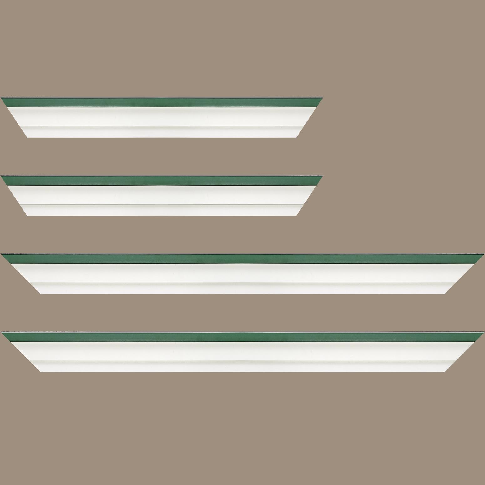 Baguette service précoupé Bois caisse américaine profil escalier largeur 4.5cm blanc mat filet vert (spécialement conçu pour les châssis d'une épaisseur jusqu'à 2.5cm )