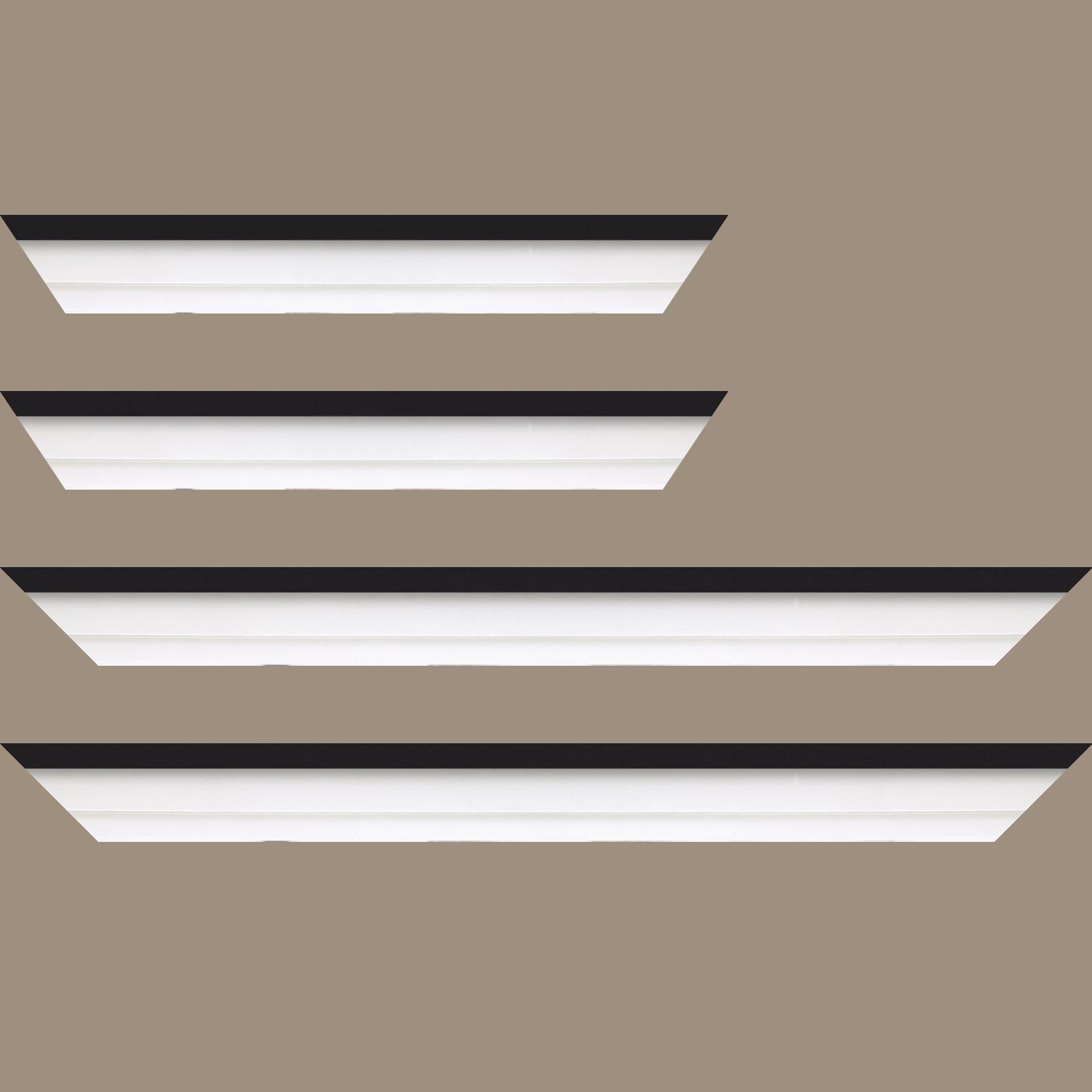 Baguette service précoupé Bois caisse américaine profil escalier largeur 4.5cm blanc mat filet noir (spécialement conçu pour les châssis d'une épaisseur jusqu'à 2.5cm )