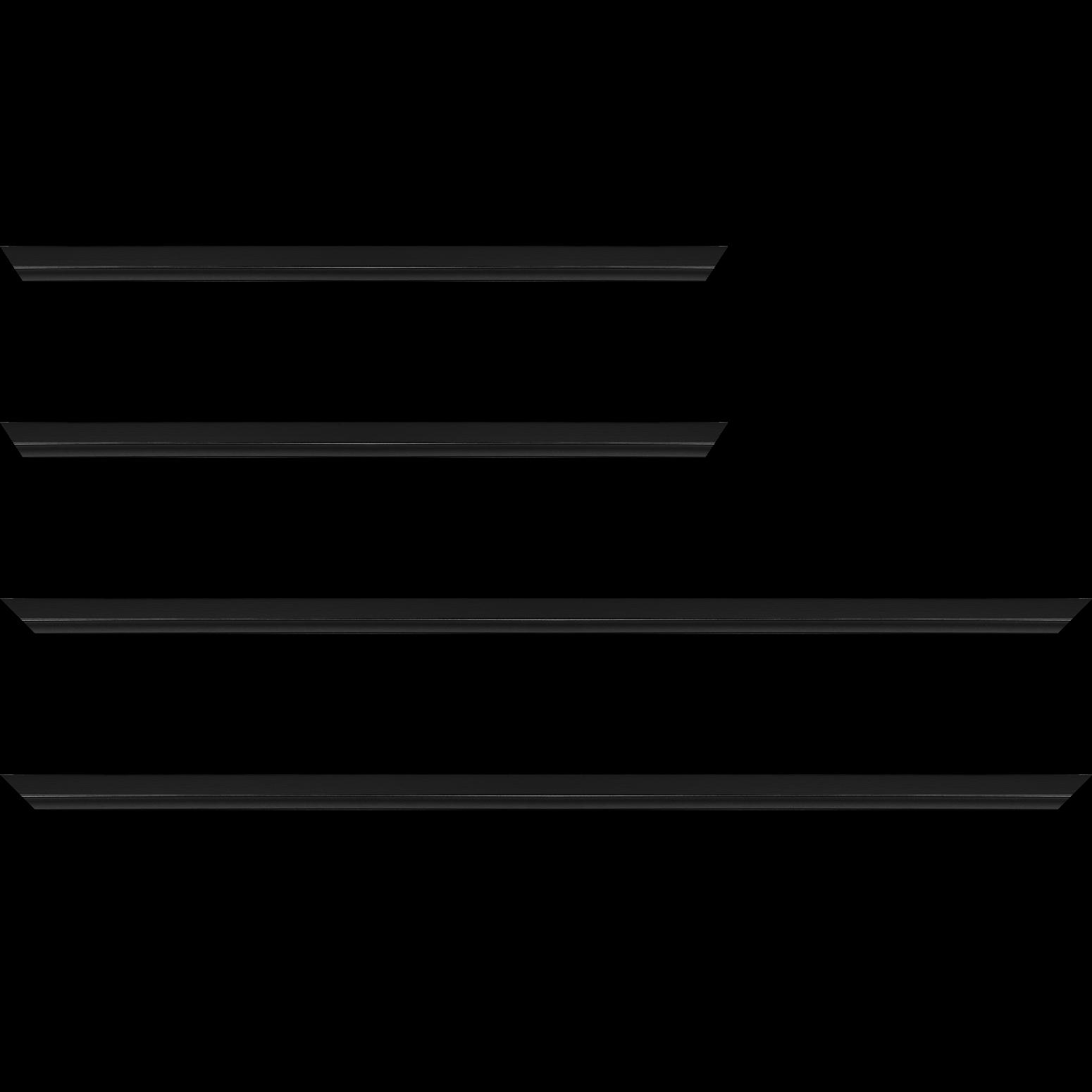 Baguette service précoupé Bois profil plat largeur 1.6cm couleur noir mat finition pore bouché filet noir en retrait de la face du cadre de 6mm assurant un effet très original