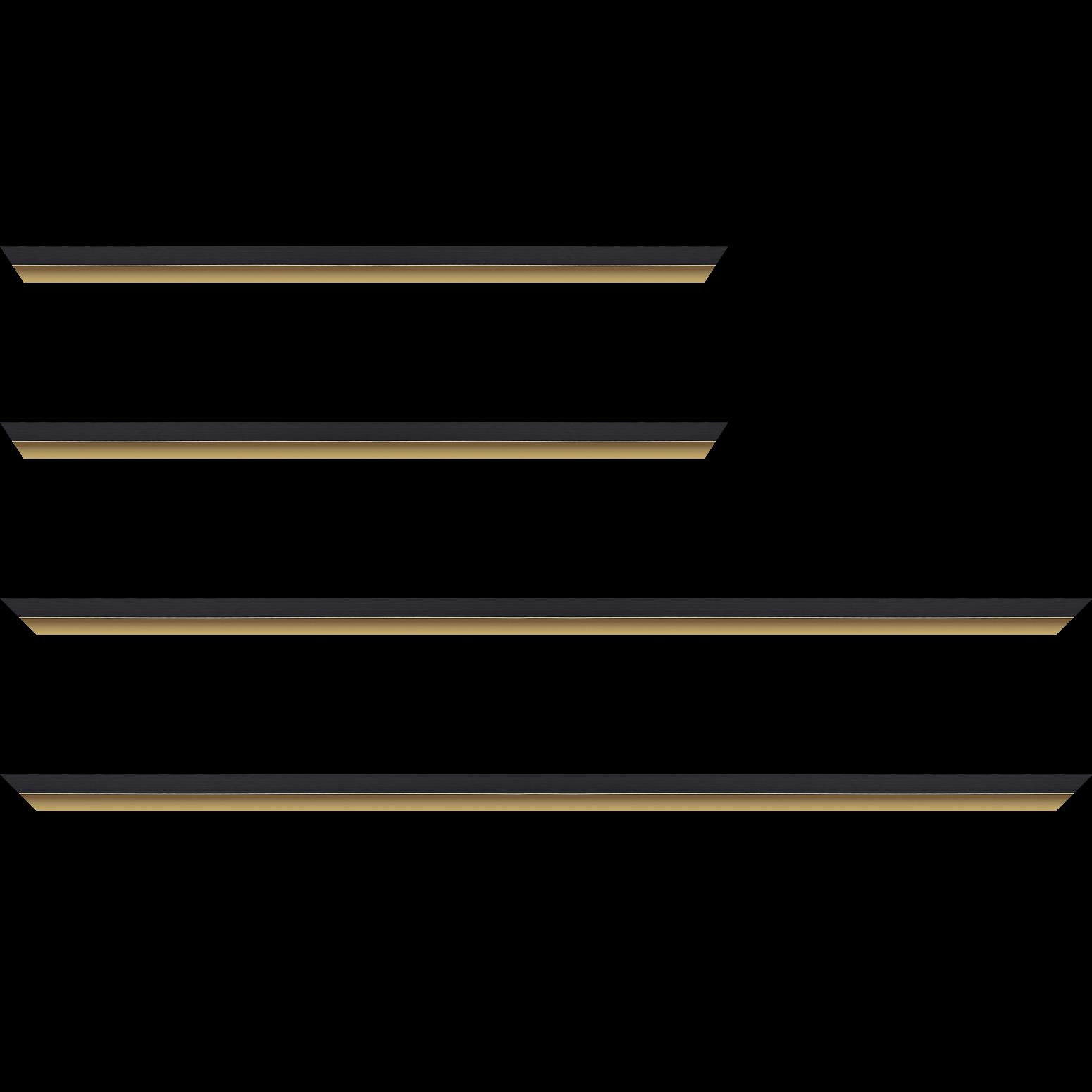 Baguette service précoupé Bois profil plat largeur 1.6cm couleur noir mat finition pore bouché filet or mat en retrait de la face du cadre de 6mm assurant un effet très original