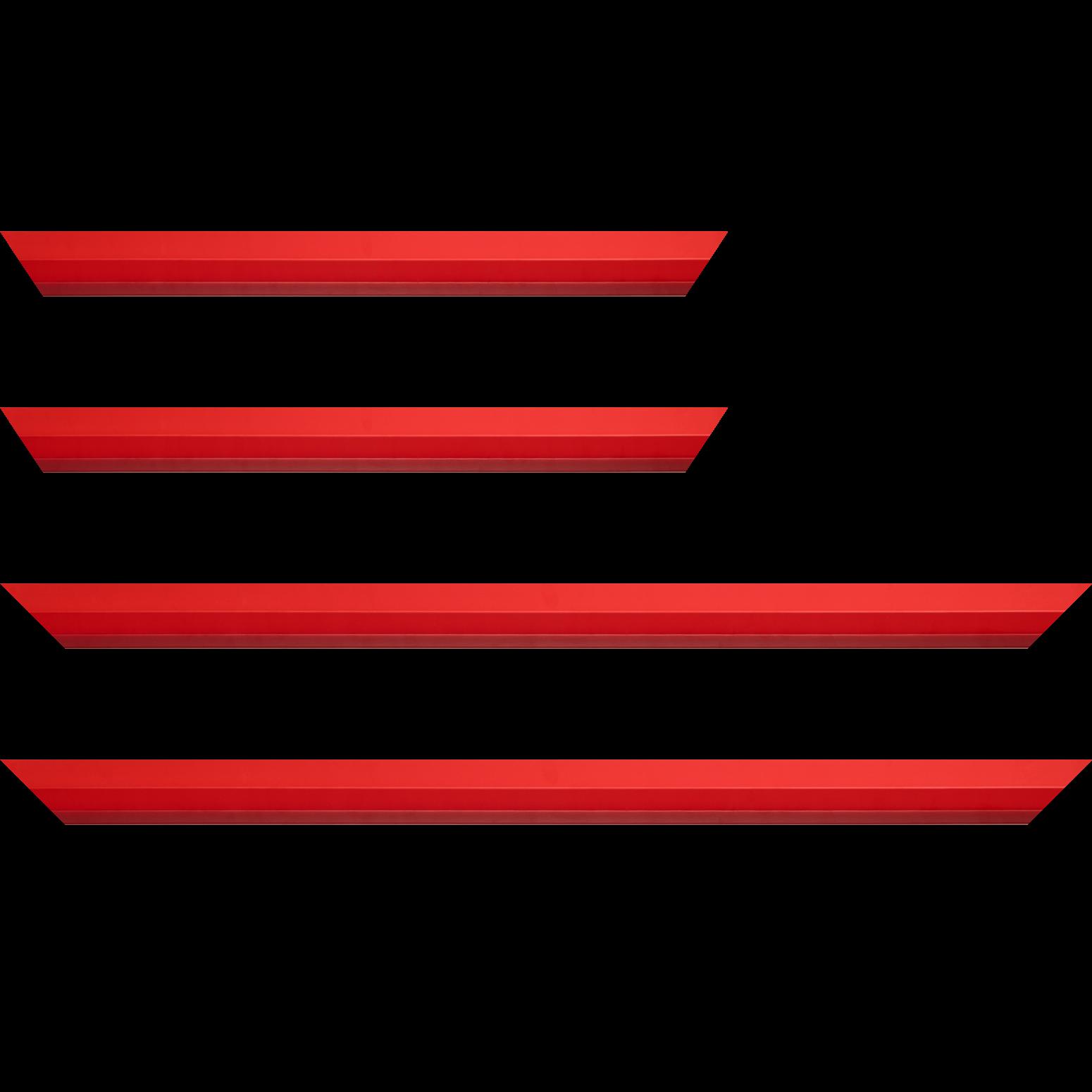 Baguette service précoupé Bois profil plat 3 faces largeur 2.8cm de couleur rouge , nez intérieur bordeaux dégradé