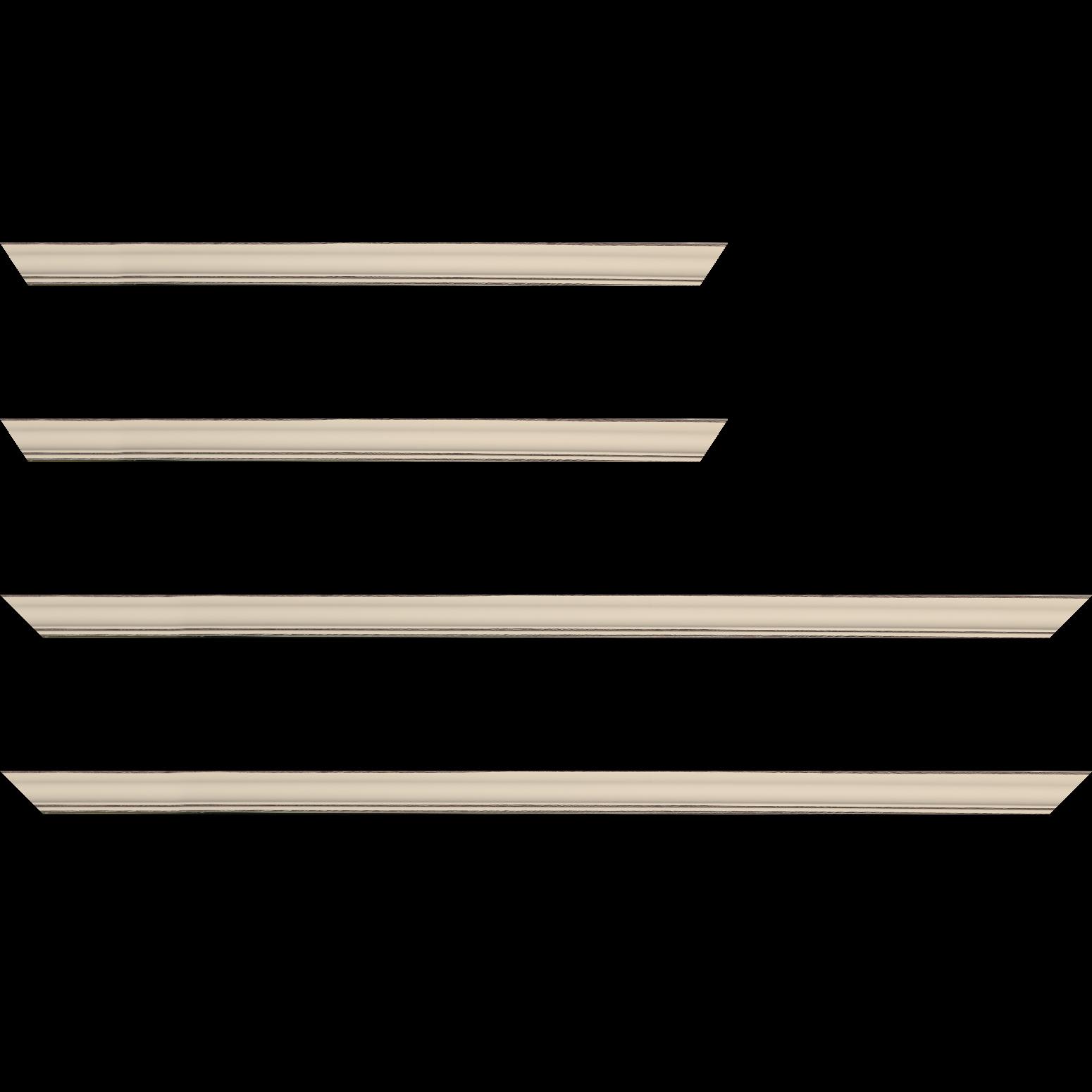 Baguette service précoupé Bois profil doucine inversée largeur 2.3cm crème satiné bord ressuyé